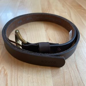 Levi's: Vintage brown belt with gold clasp